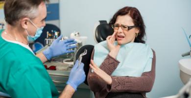 6 fatores que aumentam o risco de uma emergência odontológica