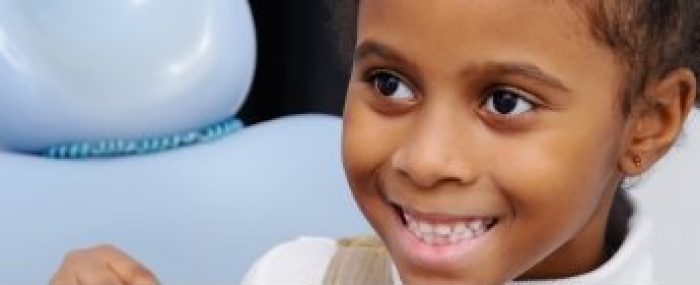 Cárie em dente de leite: descubra o que causa e como tratar