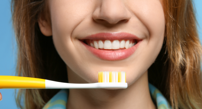 Mais saúde bucal: saiba escolher a escova de dente adequada para você