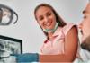 Dentista especialista em periodontia: descubra tudo sobre a especialidade
