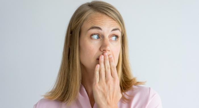 Acabar com mau hálito é possível! Veja essas 5 dicas