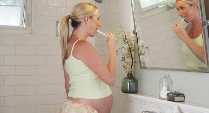 4 dicas para manter a saúde bucal durante a gravidez
