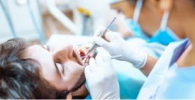 Quanto custa uma extração de dente? Saiba preço e importância