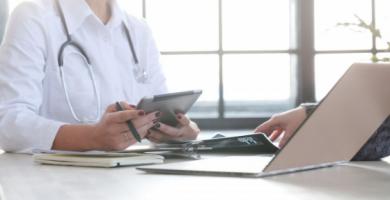 Como funciona o controle de ponto em hospitais?