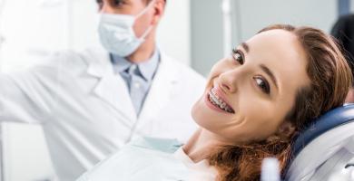 Aprenda a economizar em visitas odontológicas
